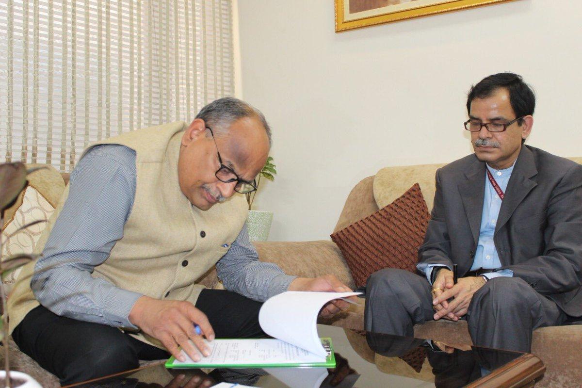 N Venudhar Reddy takes charge as Director General of All India Radio| ഓൾ ഇന്ത്യ റേഡിയോ ഡയറക്ടർ ജനറലായി എൻ വേണുധാർ റെഡ്ഡി ചുമതലയേറ്റു_40.1
