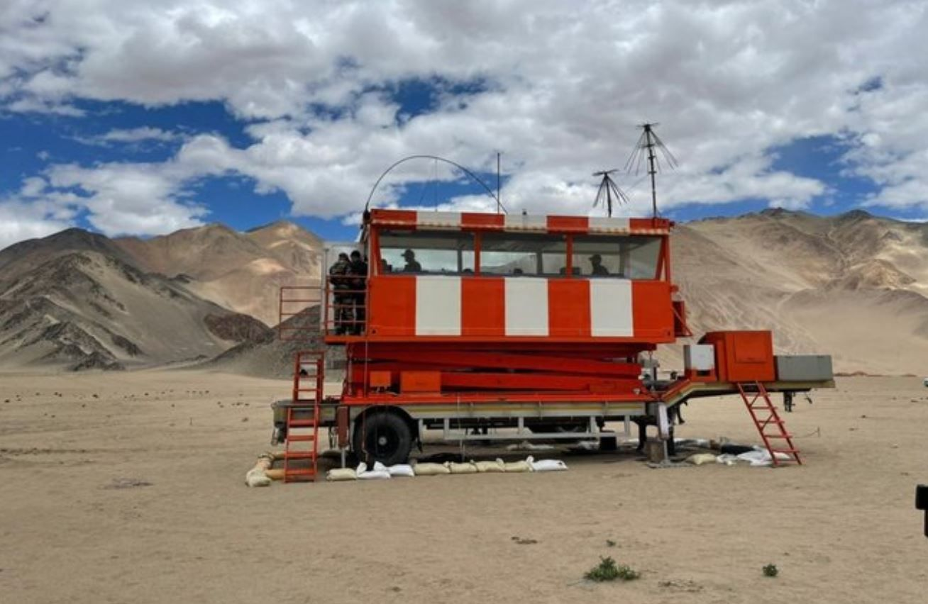 IAF builds one of the world's highest mobile ATC towers in Ladakh| IAF ലോകത്തിലെ ഏറ്റവും ഉയർന്ന മൊബൈൽ ATC ടവറുകളിലൊന്ന് ലഡാക്കിൽ നിർമ്മിച്ചു_40.1
