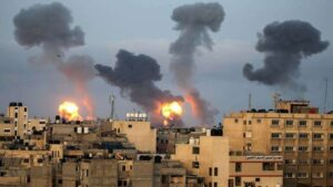 Hostilities between Israel and Hamas escalated after the air strikes   हवाई हल्ल्यानंतर इस्त्राईल आणि हमासमधील शत्रुत्व वाढले_40.1