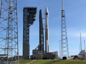 Atlas V rocket launches SBIRS Geo-5 missile warning satellite for US Space Force | अॅटलास V रॉकेटने यूएस स्पेस फोर्ससाठी एसबीआयआरएस जिओ -5 क्षेपणास्त्र चेतावणी उपग्रह प्रक्षेपित केले_40.1