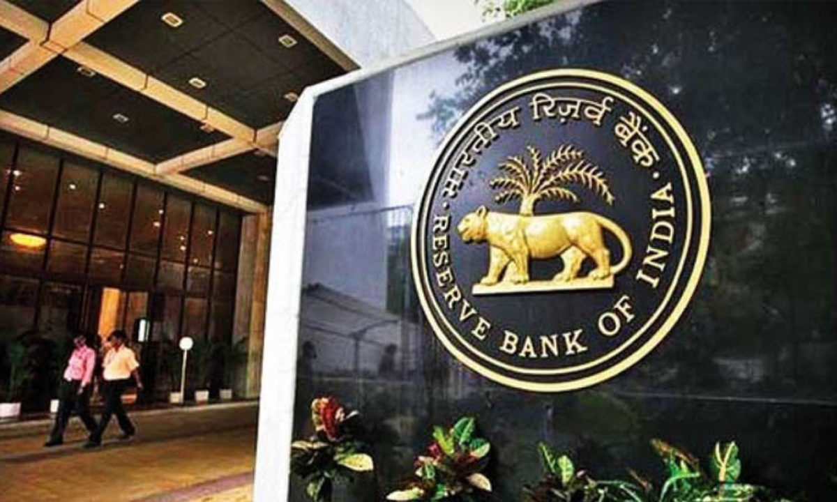 RBI hikes collateral-free loans to Self Help Groups_40.1