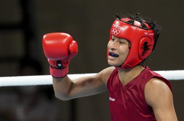 Boxer Lovlina Borgohain Claims Bronze Medal_40.1