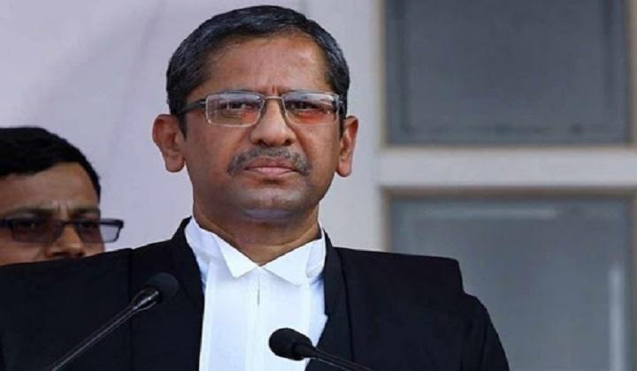Justice Nuthalapati Venkata Ramana takes oath as 48th CJI | நீதிபதி நத்தலபதி வெங்கட ரமணா 48 வது CJI ஆக பொறுப்பேற்கிறார். |_40.1