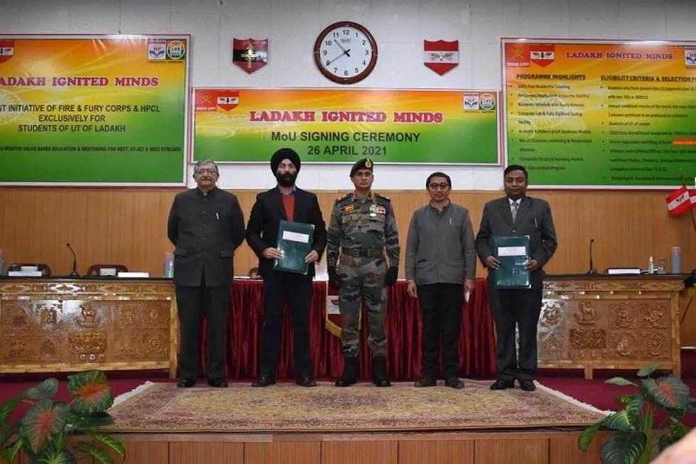 Indian Army signs MoU with HPCL & NIEDO for Ladakh Ignited Minds project | லடாக் இக்நைடெட் மைண்ட்ஸ் திட்டத்திற்காக இந்திய இராணுவம் HPCL மற்றும் NEED உடன் புரிந்துணர்வு ஒப்பந்தத்தில் கையெழுத்திட்டது |_40.1