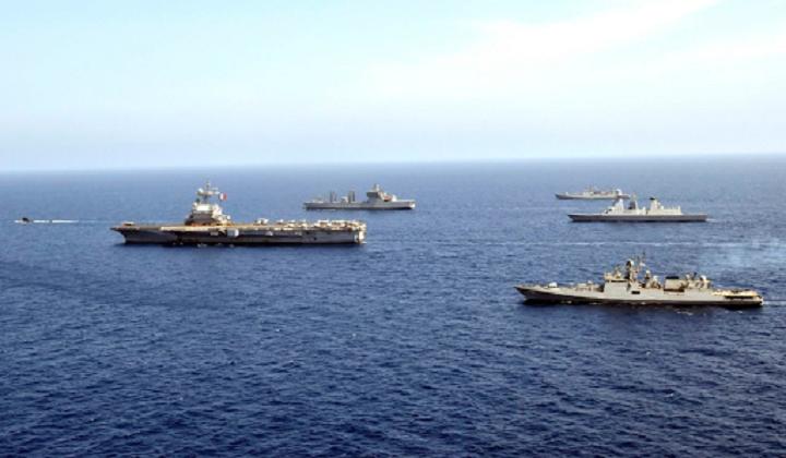 Indian and Indonesian navies conduct exercise in Arabian sea   இந்திய மற்றும் இந்தோனேசிய கடற்படைகள் அரேபிய கடலில் கடற்பயிற்சி நடத்தின.  _40.1