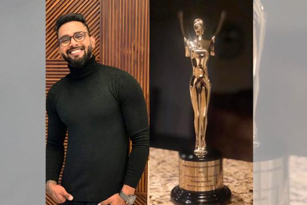 Suresh Mukund becomes 1st Indian to win annual 'World Choreography Award 2020′ | சுரேஷ் முகுந்த், ஆண்டு 'உலக நடன விருது 2020' வென்ற முதல் இந்தியரானார் |_40.1