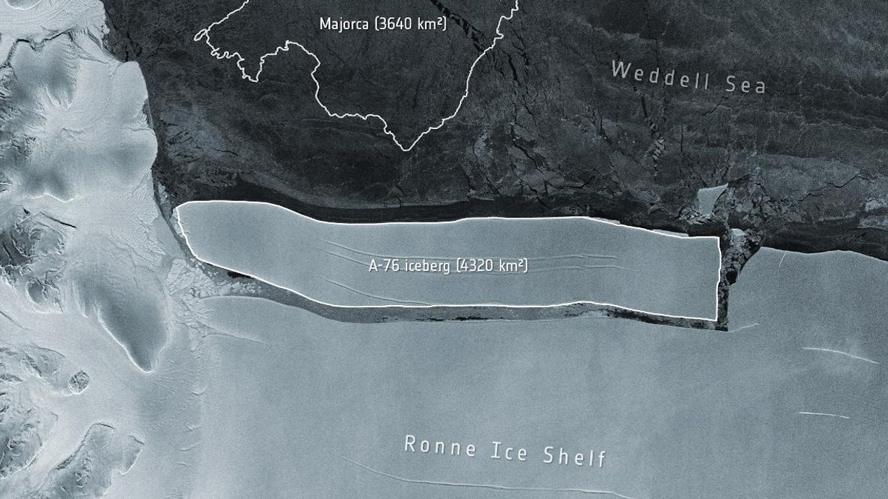 World's largest iceberg breaks off from Antarctica | உலகின் மிகப்பெரிய பனிப்பாறை அண்டார்டிகாவில் உடைந்தது. |_40.1