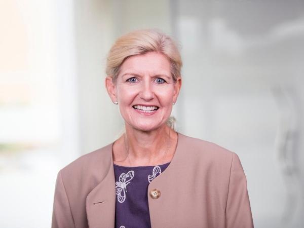 Debbie Hewitt appointed Football Association's first chairwoman | டெபி ஹெவிட் கால்பந்து சங்கத்தின் முதல் பெண் தலைவராக நியமிக்கப்பட்டார் |_40.1