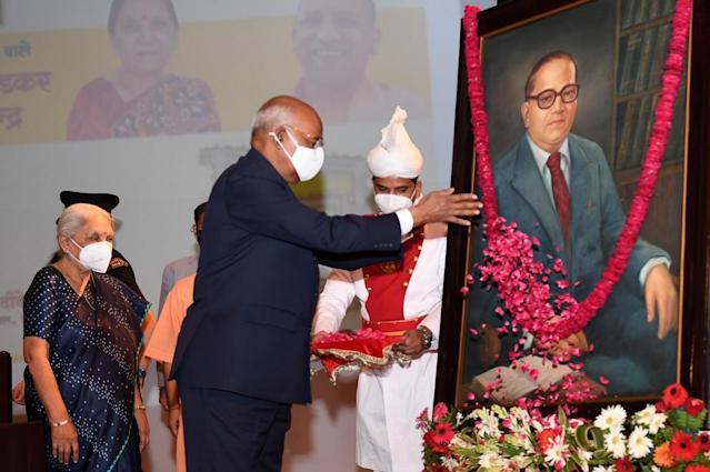 President Kovind Laid Foundation Stone For Ambedkar Memorial And Cultural Centre | அம்பேத்கர் நினைவு மற்றும் கலாச்சார அறக்கட்டளை மையத்திற்கு ஜனாதிபதி கோவிந்த் அடிகள் நாட்டினார் |_40.1