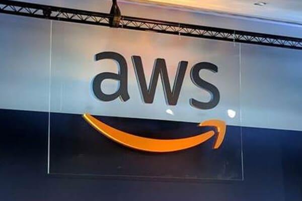 Axis Bank tie-up with AWS for powering digital banking services   டிஜிட்டல் வங்கி சேவைகளை மேம்படுத்துவதற்காக AWS உடன் ஆக்சிஸ் வங்கி ஒப்பந்தம் செய்துள்ளது  _40.1