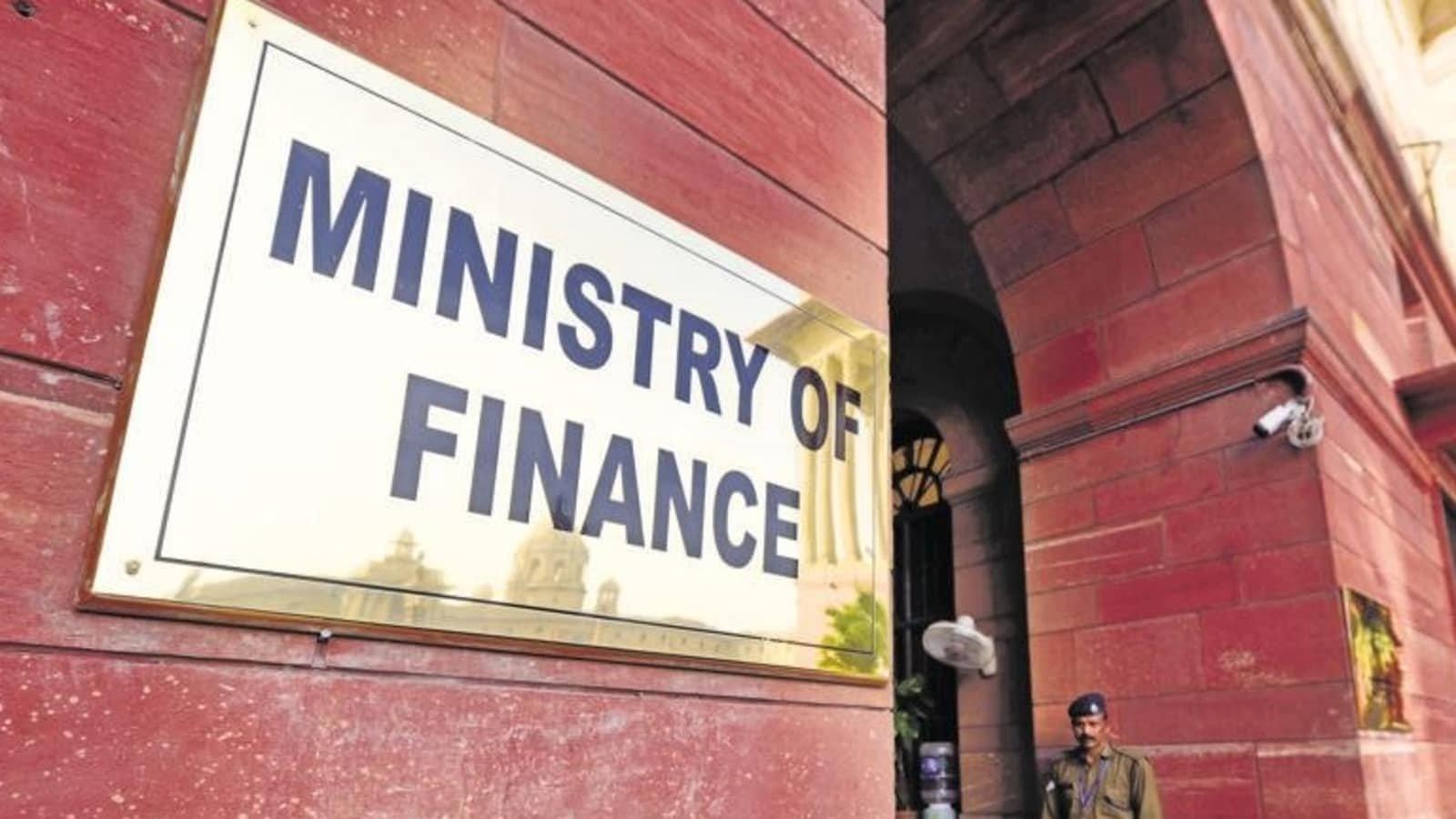 Dept of Public Enterprises brought under Finance Ministry | நிதி அமைச்சகத்தின் கீழ் பொது துறை நிறுவனங்கள் கொண்டுவரப்பட்டது |_40.1