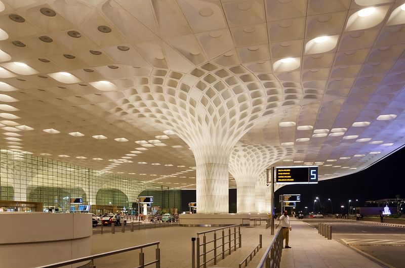 Adani Group takes over Mumbai airport management   அதானி குழுமம் மும்பை விமான நிலைய நிர்வாகத்தை கையகப்படுத்தியது  _40.1
