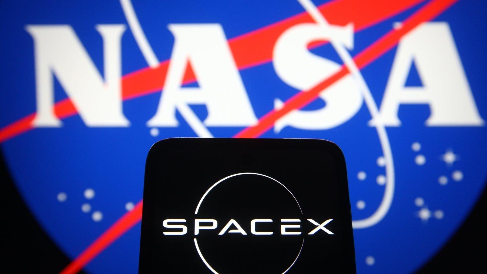 NASA selects SpaceX for mission to Jupiter moon Europa | வியாழனின் சந்திரன் யூரோபாவிற்கான பணிக்காக நாசா ஸ்பேஸ்X ஐ தேர்வு செய்கிறது |_40.1