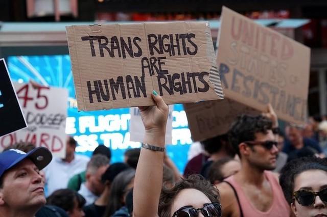 Karnataka becomes the 1st state to reserve jobs for transgender persons | திருநங்கைகளுக்கு வேலைகளில் இட ஒதுக்கீடு வழங்கிய முதல் மாநிலமாக கர்நாடகா திகழ்கிறது |_40.1