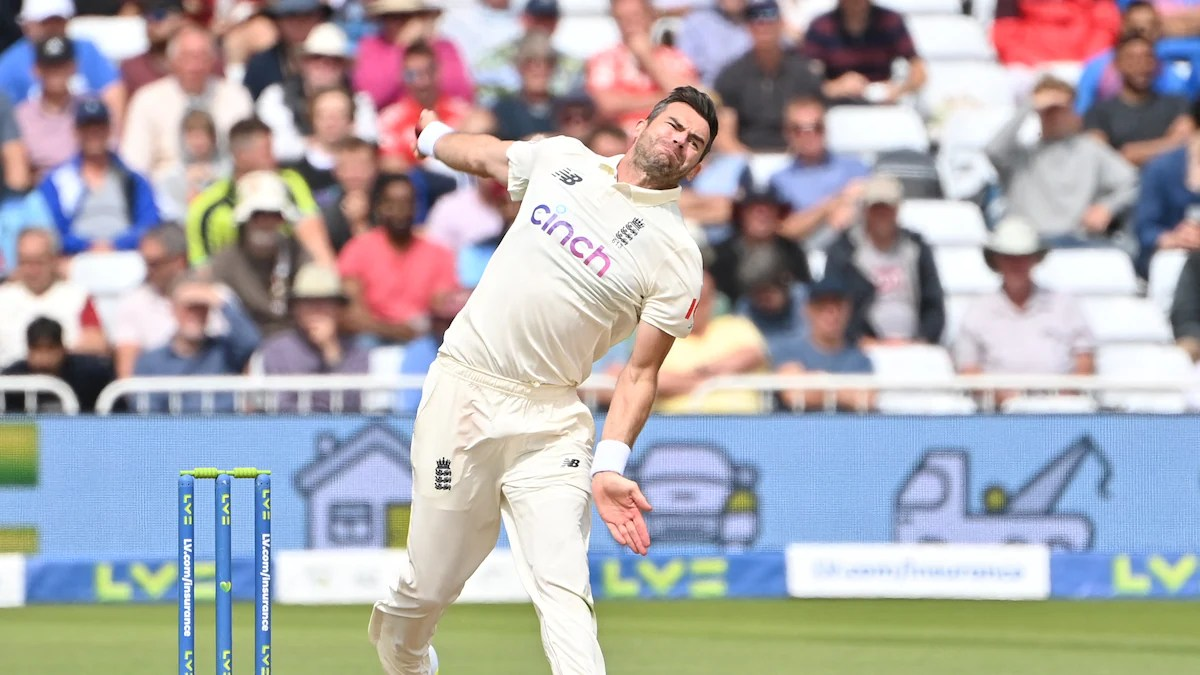 James Anderson becomes 3rd highest wicket-taker in Test cricket |_40.1