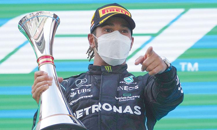 Lewis Hamilton clinches his fifth successive Spanish Grand Prix   వరుసగా ఐదవ స్పానిష్ గ్రాండ్ ప్రిక్స్ ను గెలుచుకున్న లూయిస్ హామిల్టన్  _40.1