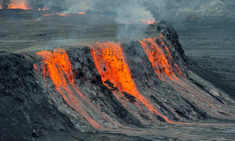 Mount Nyiragongo erupts in the Republic of Congo | రిపబ్లిక్ ఆఫ్ కాంగోలోని నైరగోంగో పర్వతం విస్ఫోటనం చెందింది |_40.1