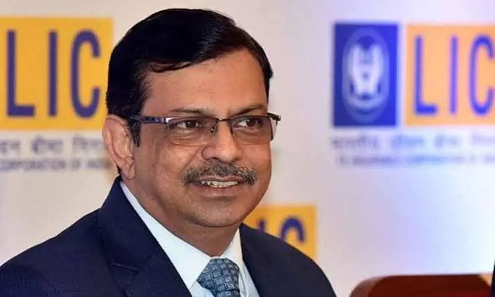 Centre extends LIC Chairman M R Kumar's term till March 2022   కేంద్రం ఎల్ ఐసి ఛైర్మన్ ఎం ఆర్ కుమార్ పదవీకాలాన్ని మార్చి 2022 వరకు పొడిగించింది  _40.1