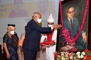 President Kovind Laid Foundation Stone For Ambedkar Memorial And Cultural Centre   రాష్ట్రపతి కోవింద్ అంబేద్కర్ స్మారక, సాంస్కృతిక కేంద్రానికి శంకుస్థాపన చేశారు  _40.1