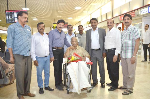 Journalist N N Pillai honoured with BKS Literary Award   జర్నలిస్ట్ ఎన్ ఎన్ పిళ్ళైకి బికెఎస్ లిటరరీ అవార్డు  _40.1