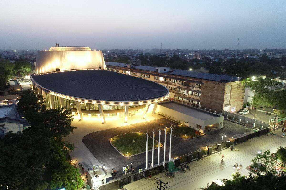 PM Narendra Modi inaugurates 'Rudraksh' convention centre in Varanasi | PM నరేంద్ర మోడీ వారణాసిలో 'రుద్రాక్ష్' కన్వెన్షన్ సెంటర్ను ప్రారంభించారు |_40.1