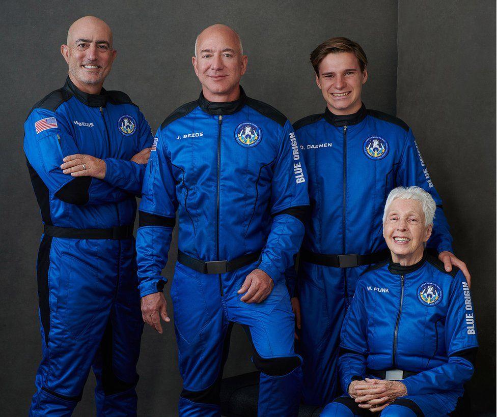 Jeff Bezos launches to space aboard New Shepard rocket ship   జెఫ్ బెజోస్ న్యూ షెపర్డ్ రాకెట్ షిప్లో అంతరిక్షంలోకి ప్రవేశించాడు.  _40.1