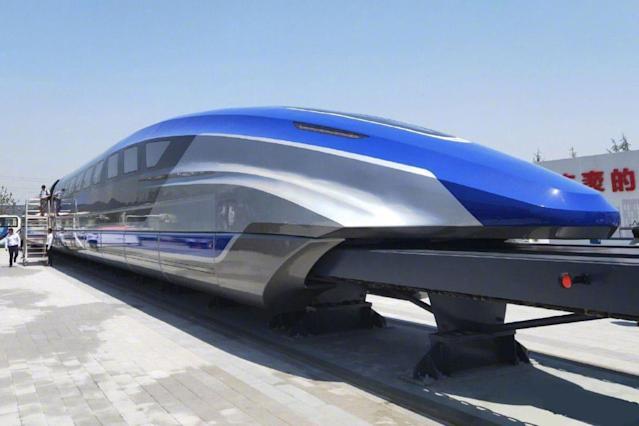 China unveils 600 kph maglev train makes public debut | చైనా 600KPH వేగం తో ప్రయాణించే మాగ్లేవ్ రైలును ఆవిష్కరించింది |_40.1