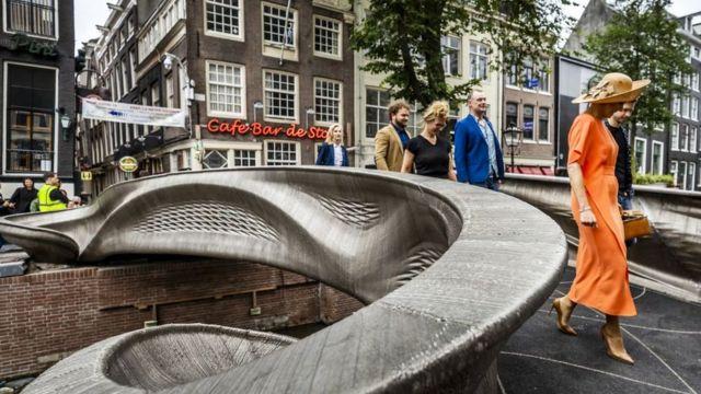 World's first 3D-printed steel bridge opened in Amsterdam | ప్రపంచంలోని మొట్టమొదటి 3D-ప్రింటెడ్ స్టీల్ వంతెన నెదర్లాండ్స్లోని ఆమ్స్టర్డామ్లో ప్రారంభించబడింది |_40.1