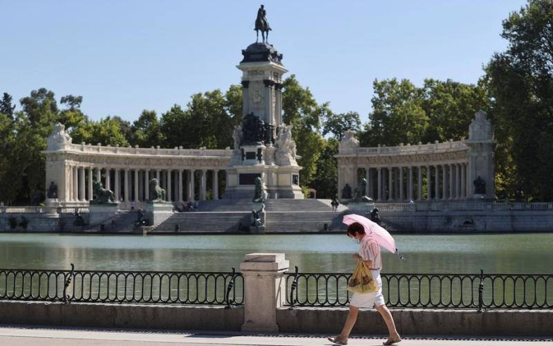 UNESCO grants World Heritage Status to Madrid's Paseo del Prado and Retiro Park   మాడ్రిడ్ యొక్క పసియో డెల్ ప్రాడో మరియు రెటిరో పార్క్ UNESCO ప్రపంచ వారసత్వ ప్రదేశాల హోదాను పొందాయి  _40.1