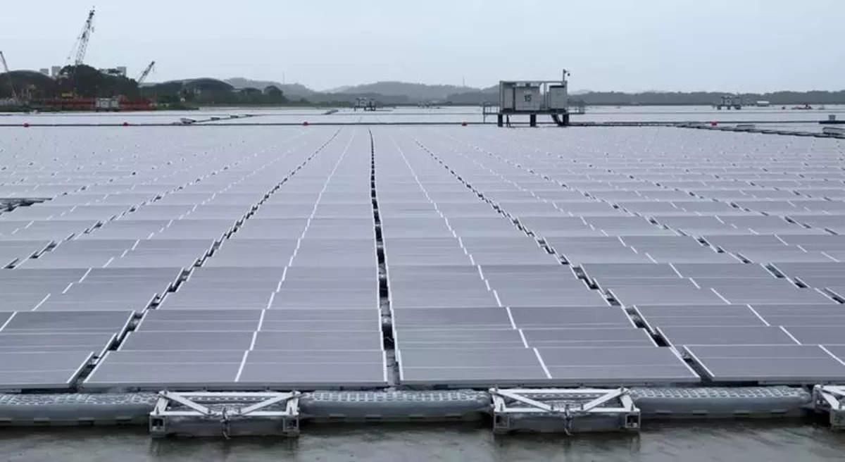 Sunseap set to build world's biggest floating solar in Indonesia | ఇండోనేషియాలో ప్రపంచంలోనే అతిపెద్ద తేలియాడే సౌర ఫార్మ్ నిర్మించడానికి సన్ సీప్ సిద్ధమైంది |_40.1
