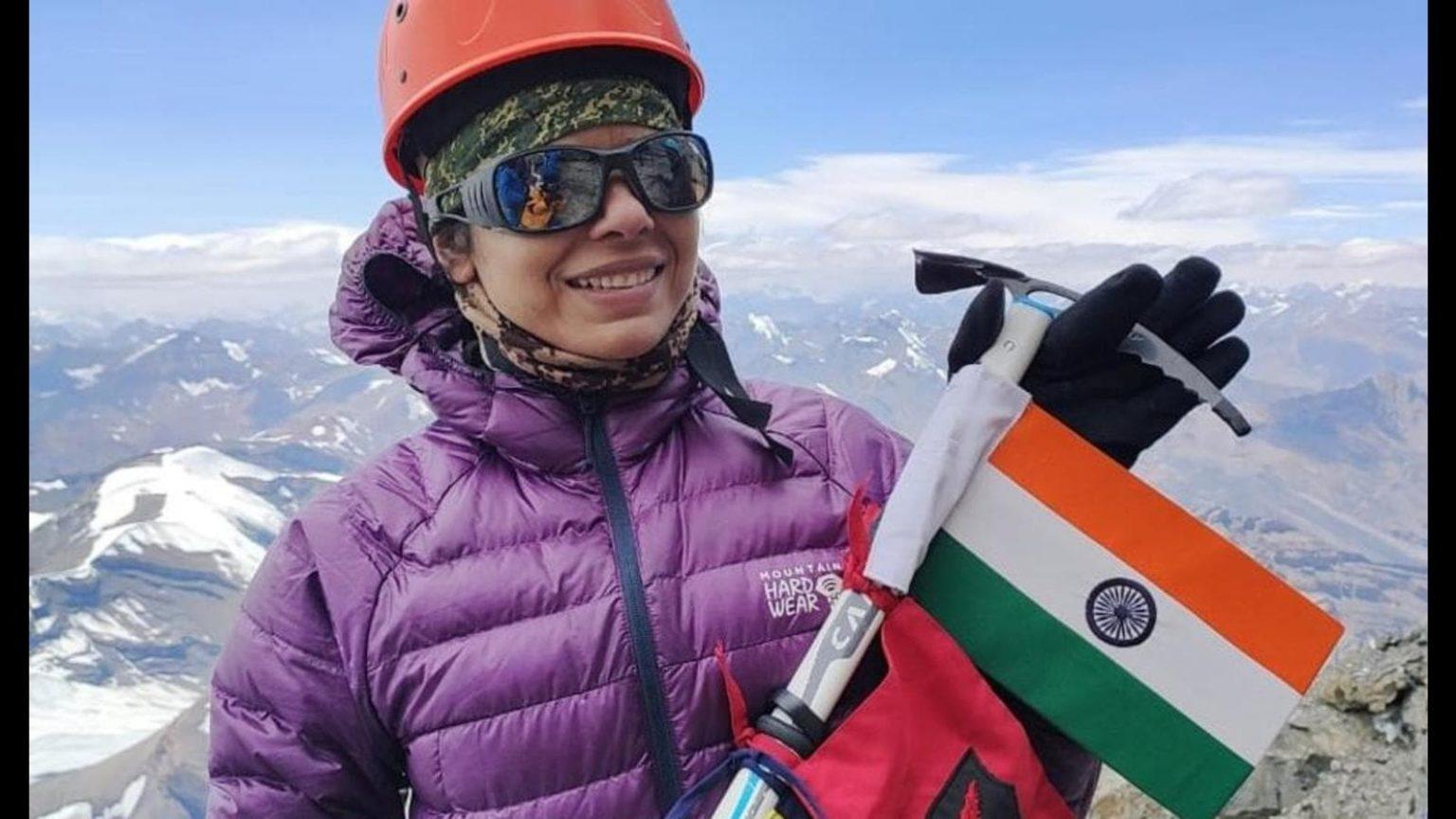 All-women team of three armed forces summits Mt Manirang   Mt మణిరాంగ్ ను అధిరోహించిన ఆల్ ఉమెన్ ట్రై-సర్వీసెస్ పర్వతారోహణ బృందం  _40.1